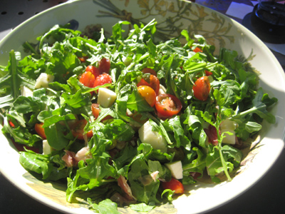 arugula-and-tomatoes-in-a-bowl