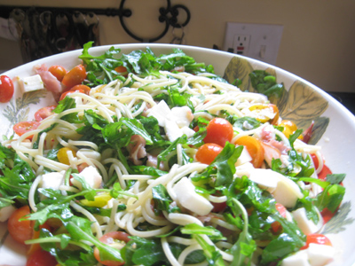 arugula-tomato-and-mozzarella-pasta